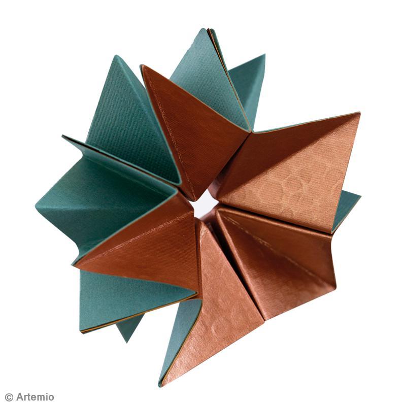 DIY Noël Origami étoiles de neige en papier - Idées conseils et tuto Noël coloré #floconsdeneigeenpapier