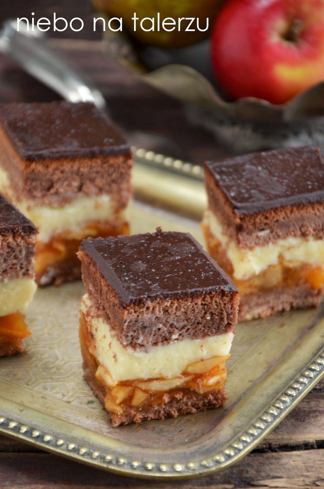 Niebo Na Talerzu Biszkopt Z Kremem I Jablkami Desserts Baking Dessert Recipes