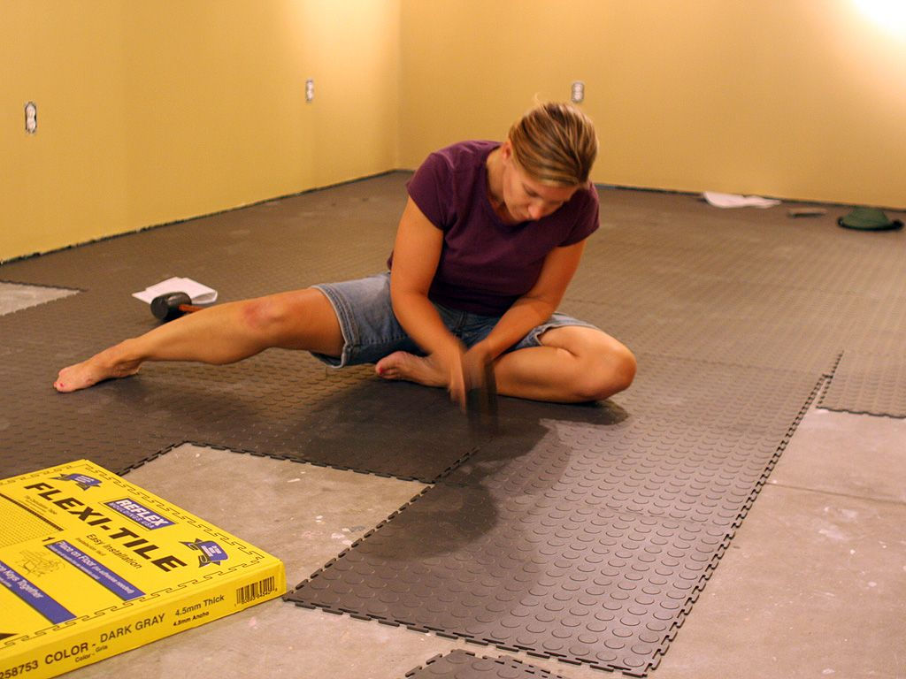 Diy home basement workout room when we buy a house for Floor workout