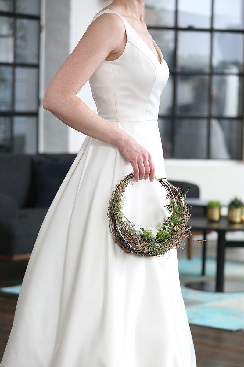 schlichtes Accessoire für die Brautjungfer, eine florale