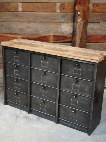 Ancien grand meuble 12 casiers industriel strafor plateau chene
