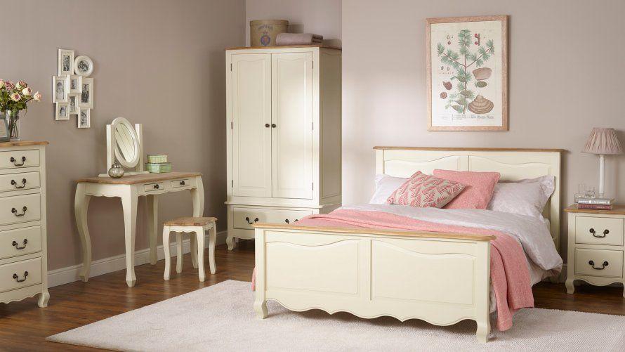The St Ives Natural Oak And Light Gray Painted Range Has A Fresh Modern Feel The Elegant Light Gray Grey Painted Furniture Oak Furniture Land Oak Furniture