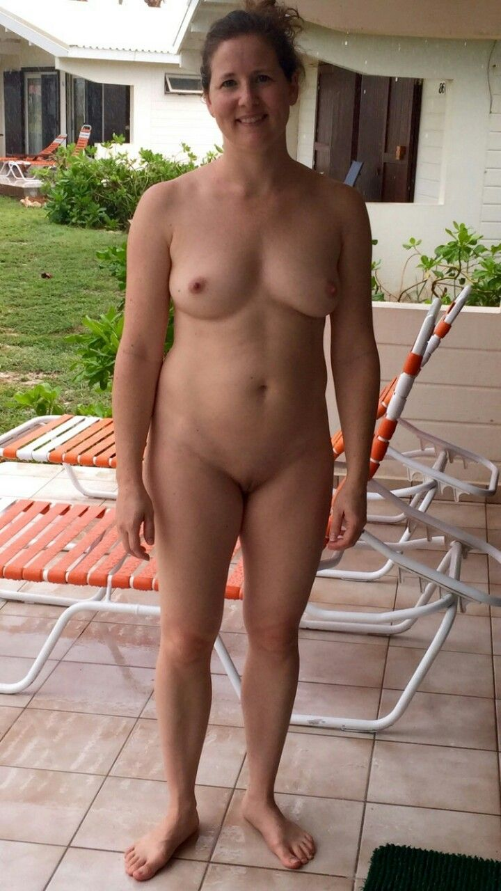 Totally Nude Sexy Women