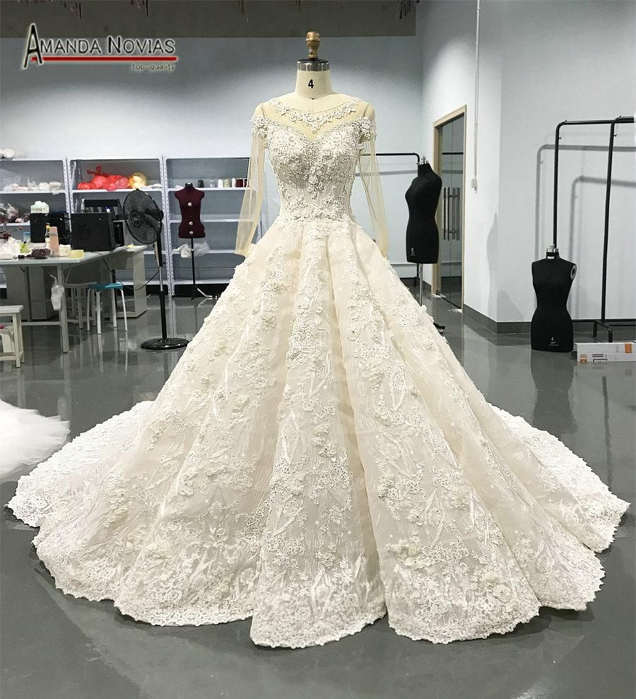 2018 New Arrivals Luxury Long Train Wedding Dresses Shinny