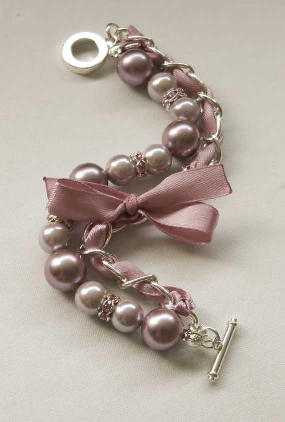 Tea and Old Rose Pearl Braclet with rhinestone rhondelles