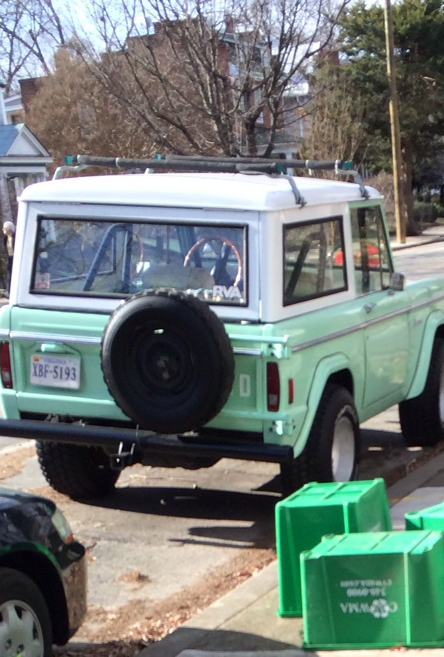 One Daymint Green Ford Bronco Pinterest 1969 Xlt Car Old Early
