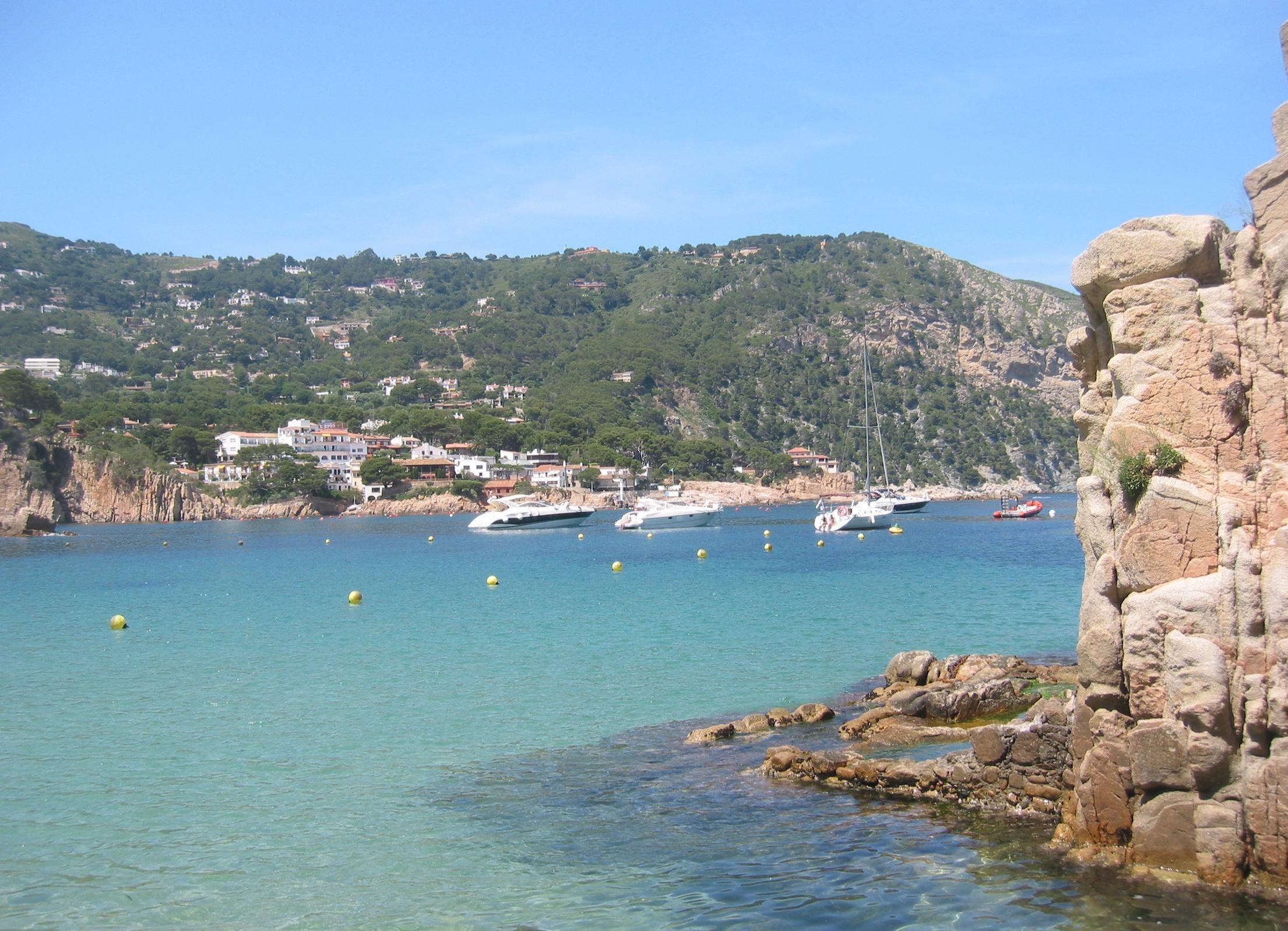 Aigua Blava Uma Pequena Baia Na Costa Brava Provincia De Girona Comunidade Autonoma Da Catalunha Espanha Perto De Begur E Palafr Viagens Espanha Catalunha