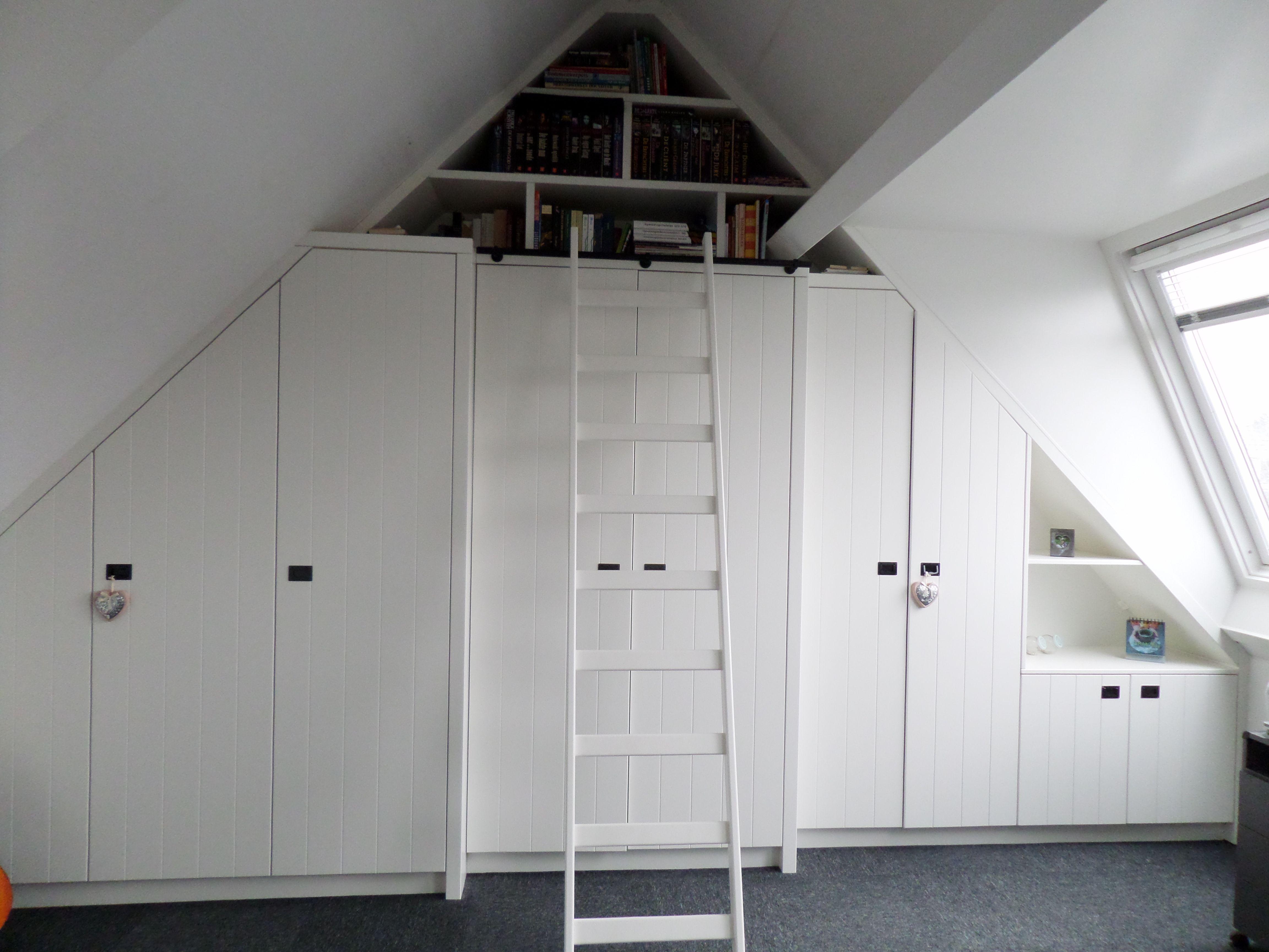 Kast In Trap : Kast inbouwkast zolder schuine punt schuine kant kast ladder trap