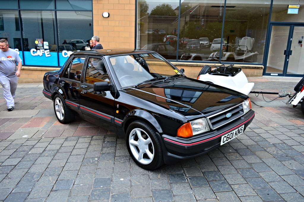 Hamilton View Of A Ford Orion 1 6 Ghia Injection Netty 78 Tags