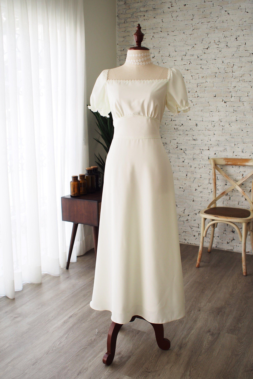 White Dress Puff Sleeve Vintage Wedding Dress Long Wedding Etsy In 2021 Wedding Gowns Vintage Rustic Wedding Dresses Long Vintage Wedding Dress [ 3000 x 2000 Pixel ]