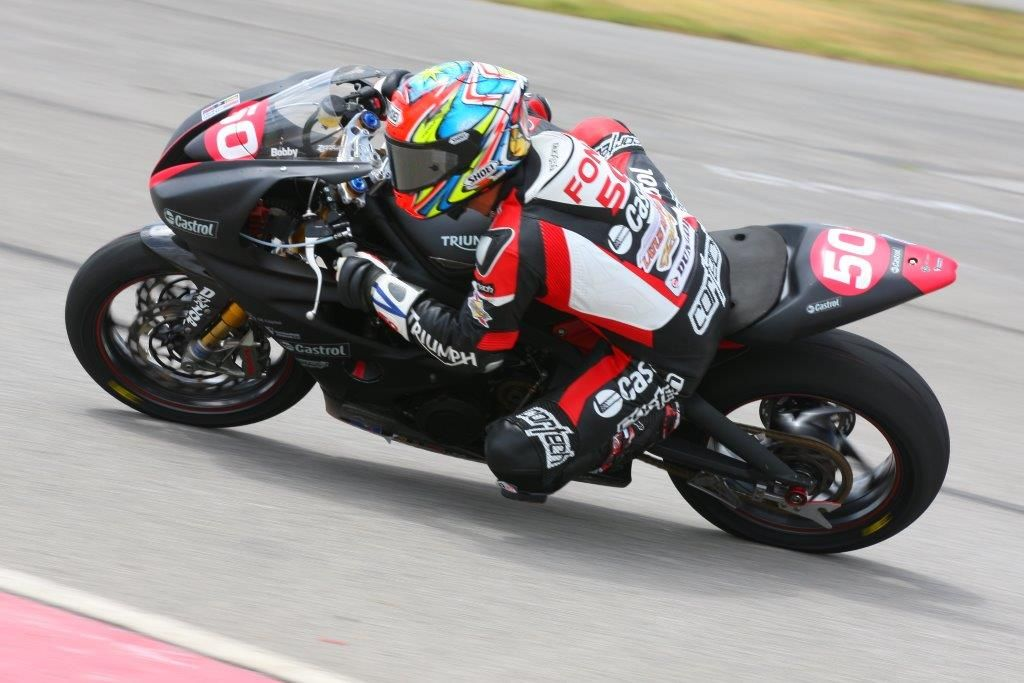 The Latus Motors Racing Castrol Triumph Pro Road Racing Rider Bobby Fong Going For Two Straight Dynojet Pro Sportbike Wins Sport Bikes Super Bikes Motorcycle