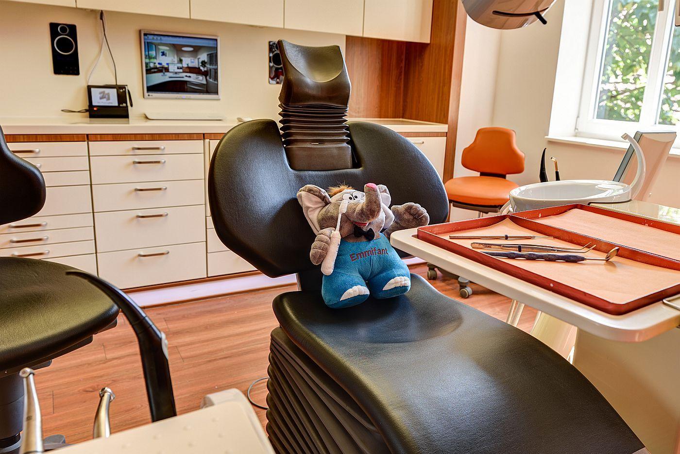 Virtueller Rundgang durch die Zahnarztpraxis von Dr. med. Olaf Peterseim Mühlhausen