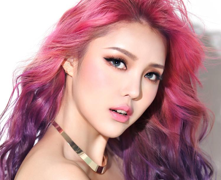 New Pony x Memebox Shine Easy Glam Eyeshadow Palettes