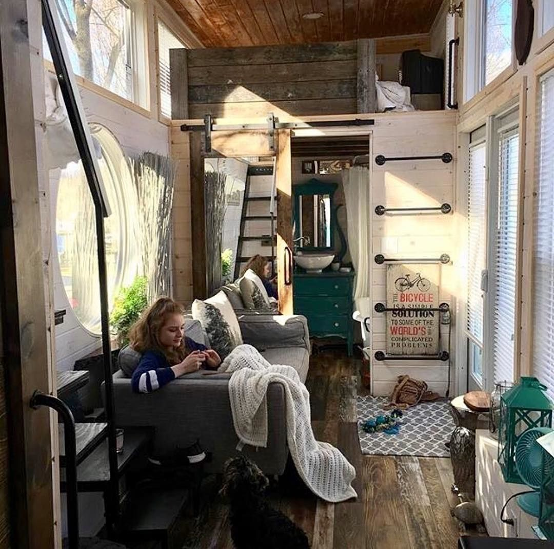 Could You Live Here Cozy Tiny House Owned By Mother And Daughter Ourwildtinyhouseadventure Featured O Tiny House Decor Best Tiny House Tiny House Inspiration