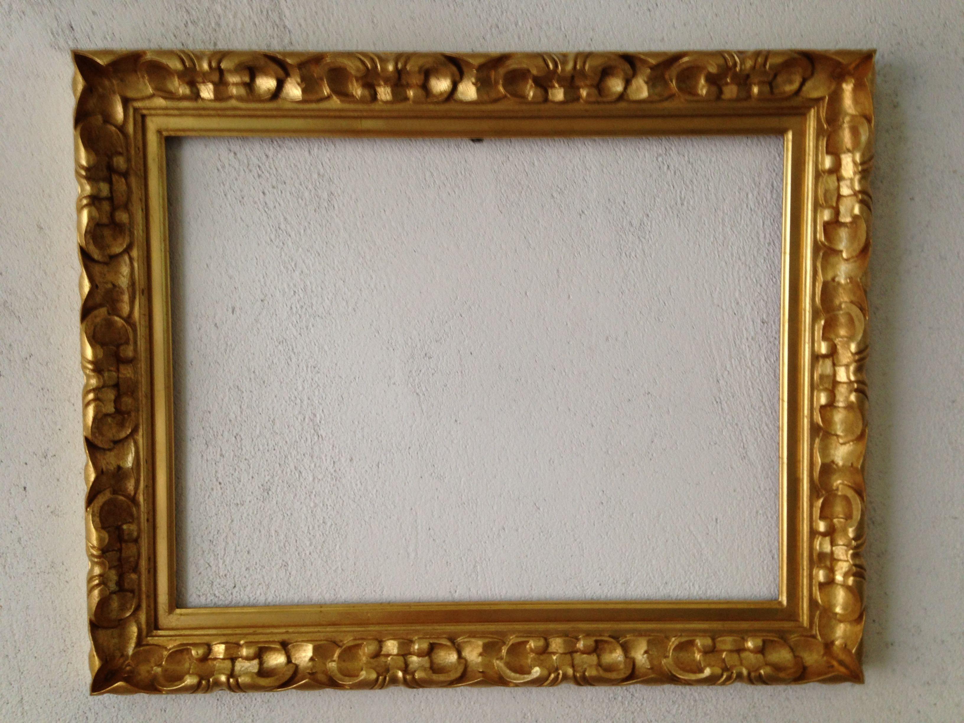 Marco barroco tallado dorado en pan de oro al agua marco for Disenos de marcos de madera para espejos