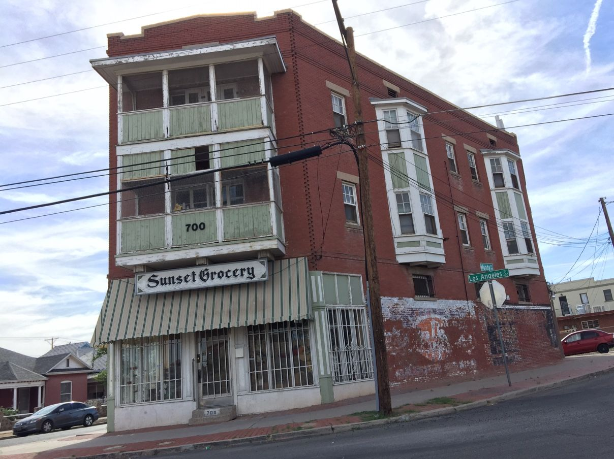 Sunset Grocery Store In El Paso Tx Opened In1913 It S Vacant But Such A Beautiful Building Beautiful Buildings Building Beautiful Architecture
