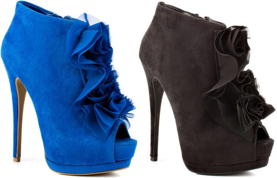 Gorgeous Blue and black Flower Heels ♥ Are they hot or not?