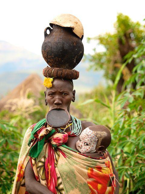 Suri mother. Black KidsDocumentary PhotographyBaby WearingAmazing ...