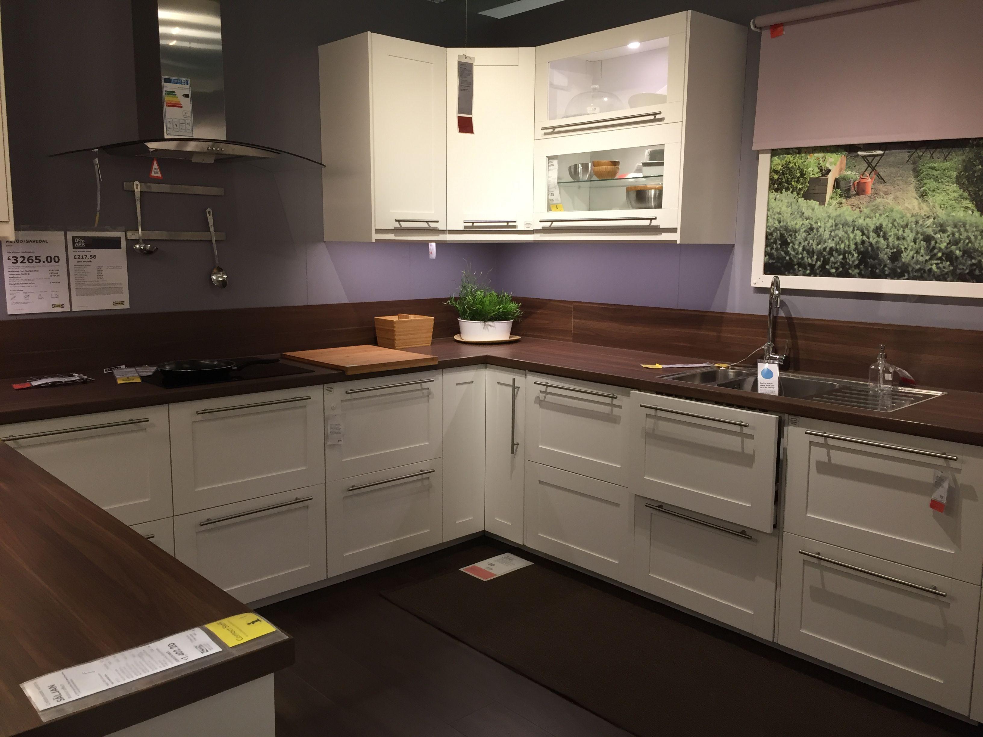Ikea metod/ savedal kitchen   Cuisine blanche et bois, Décoration maison, Cuisine