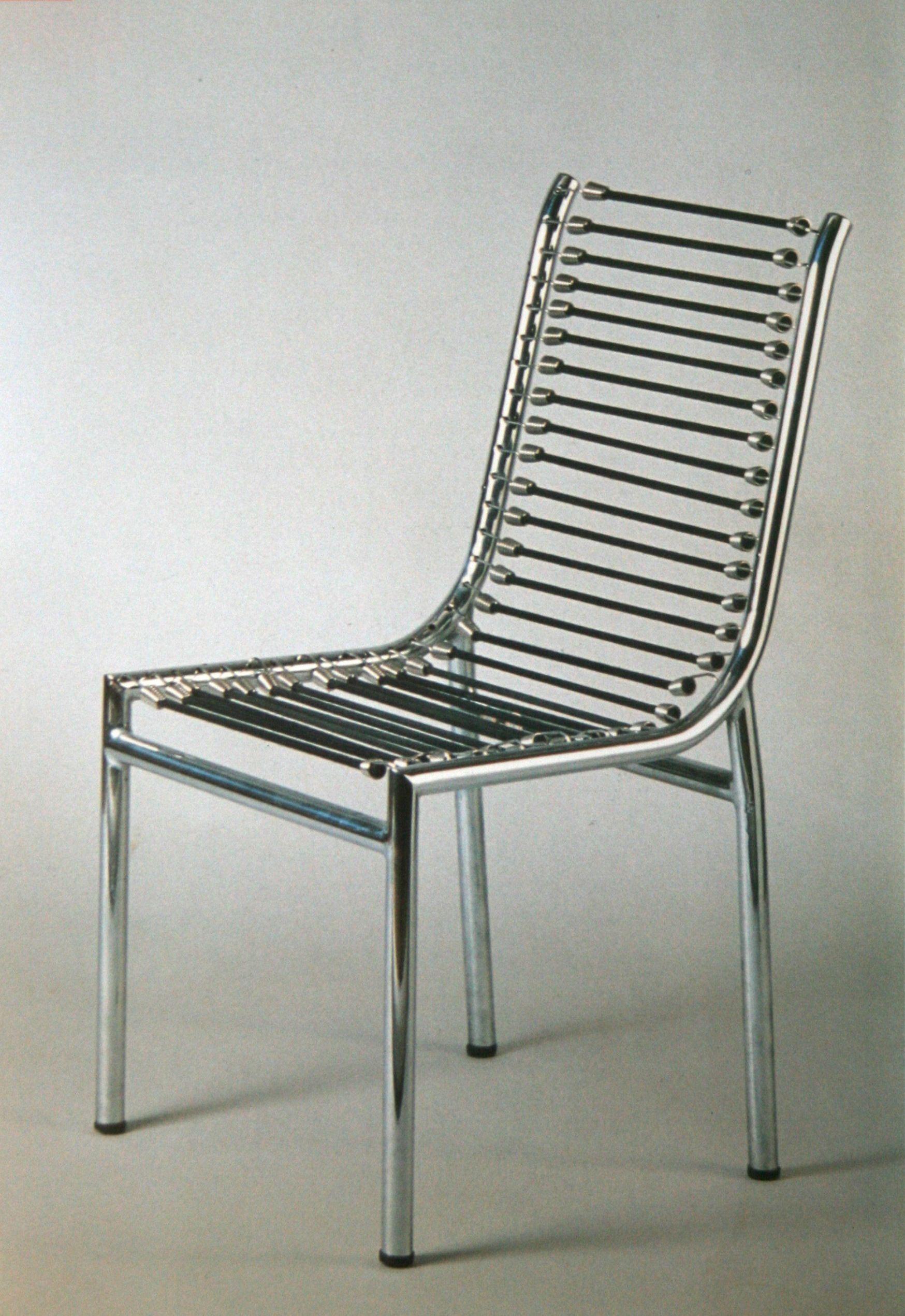 1930, chaise en tube et métal chromé, assise et dossier en