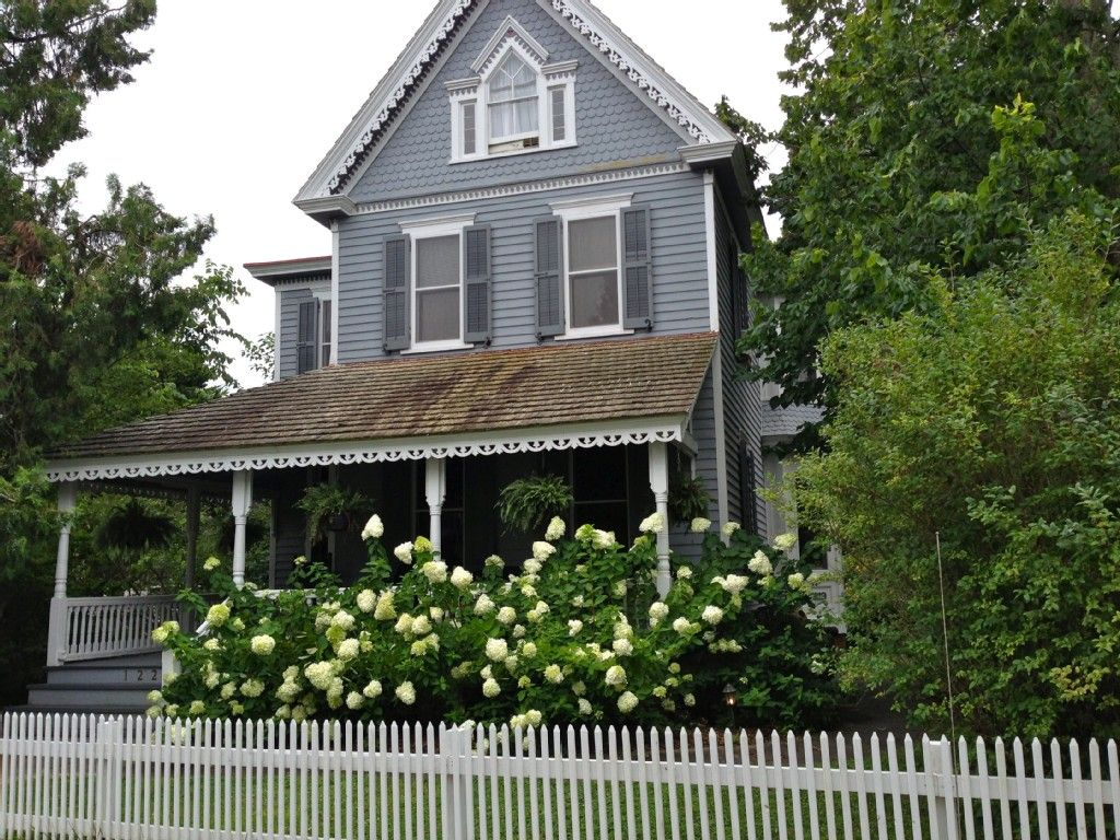 Superb House Vacation Rental In Historic District Cape May Nj Home Interior And Landscaping Mentranervesignezvosmurscom