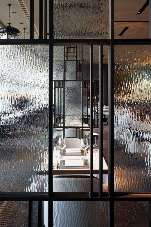 Wire Parion Panels | Love This Restaurant French Window Hk Te Gek Inspiratie Beeld