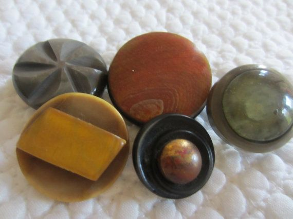 Vintage Buttons  5 assorted Mid Century Modern by pillowtalkswf, $6.00