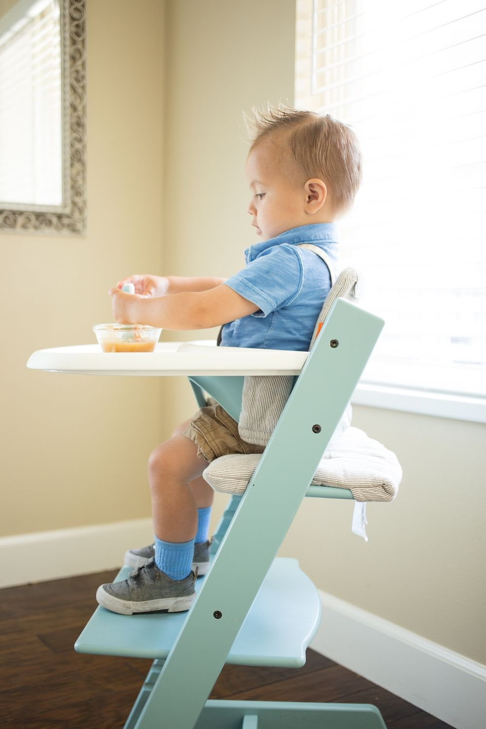 natural sg mounted stokke high newborn chair steps en on blue highchair