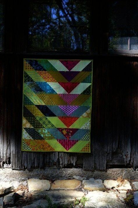 Broken V Quilt  Broken V Quilt von Sharon McConnell Muster von Christa Watson Stoffe von Alison Glass und Tula Pi Maschinenquilten mit Stil Broken V Quilt  Broken V Quilt...