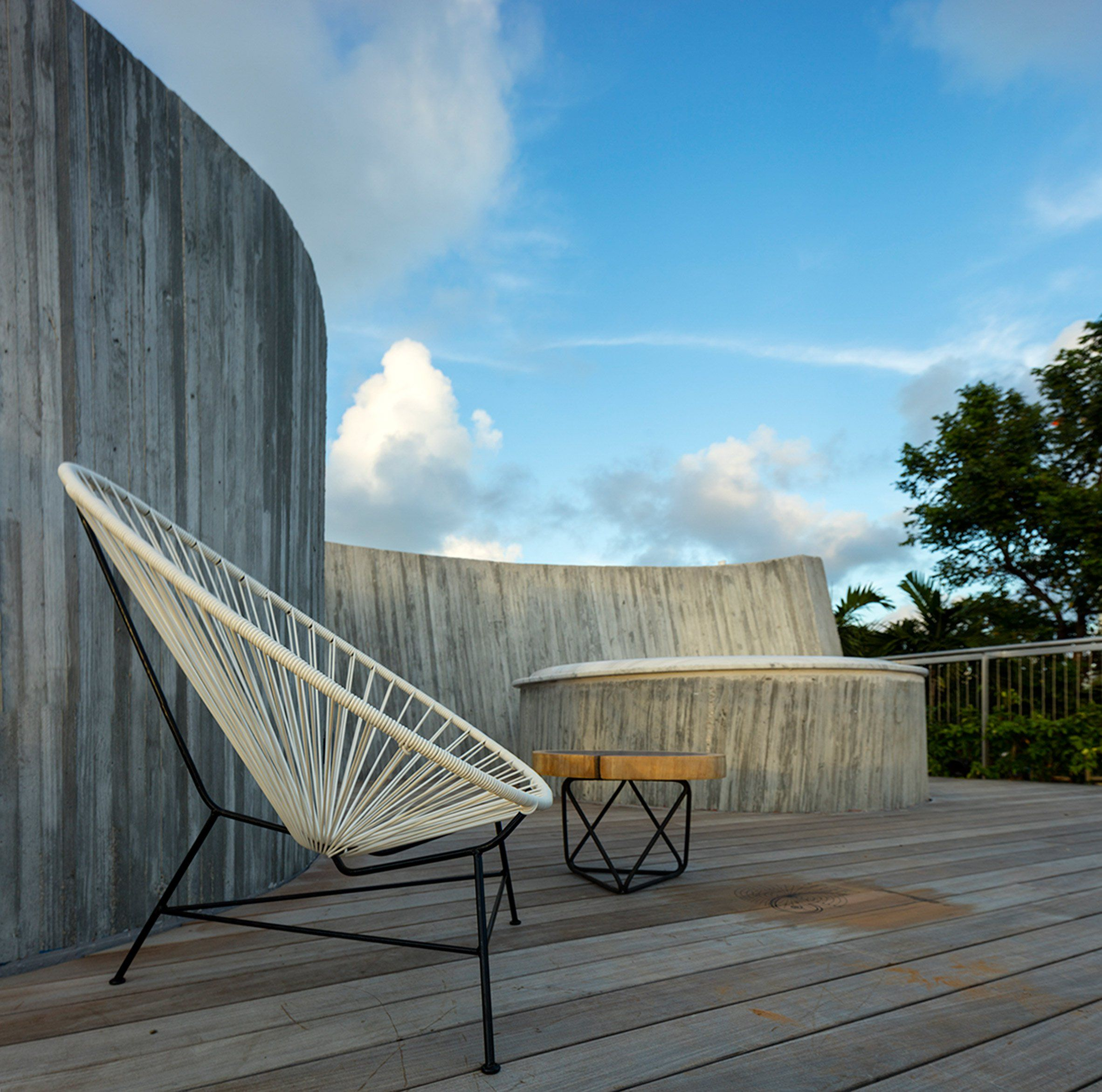 Bungalow Miami christian wassmann uses sun s path to shape miami bungalow extension