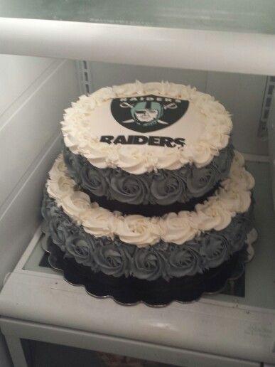 a60189ec8 Oakland Raiders rose cake!