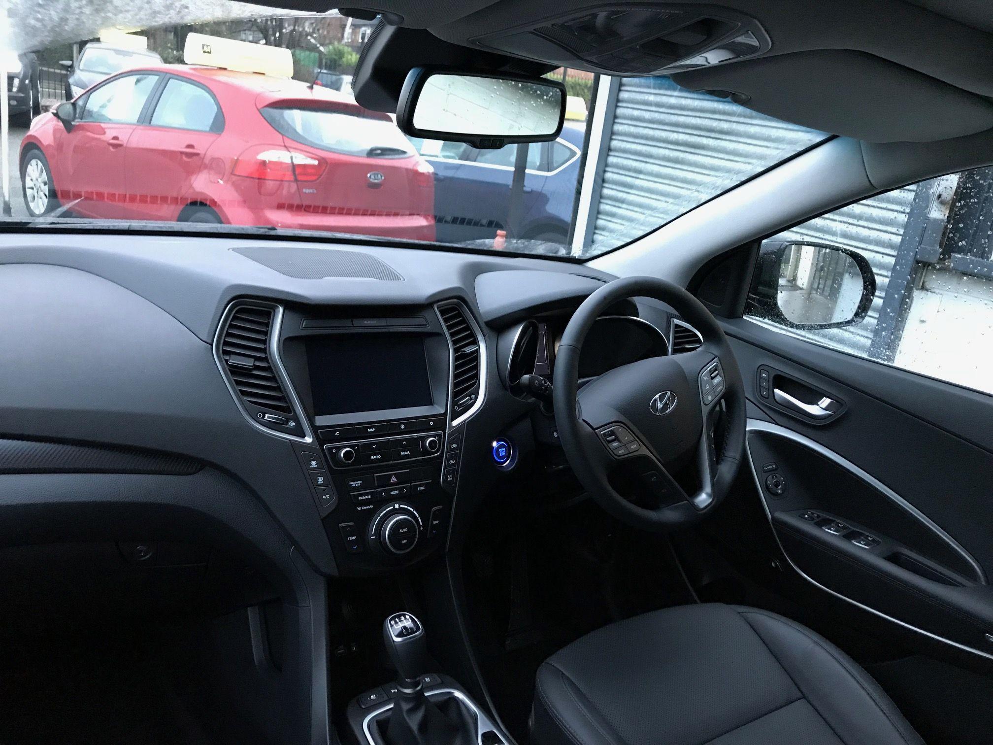 hyundai santa fe diesel estate 2 2 crdi blue drive premium se 5 door rh pinterest co uk