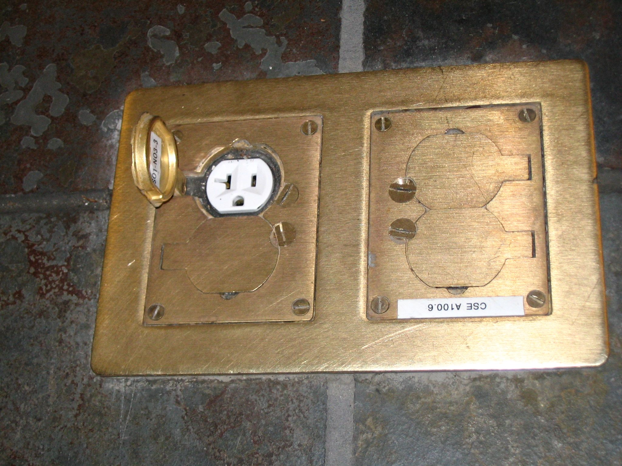 Electric Floor Outlet Cover Plates - Beste Awesome Inspiration