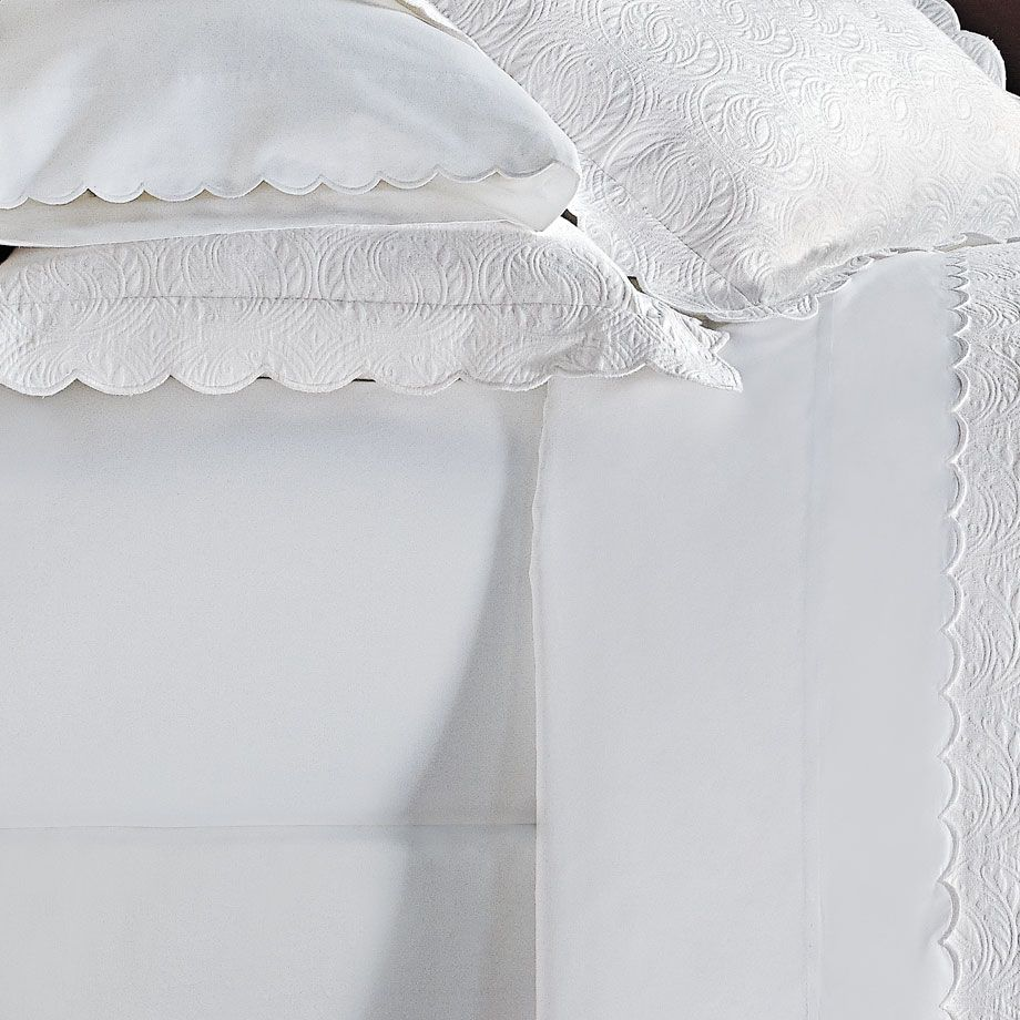 Find luxury Peacock Alley linens for an incredible price