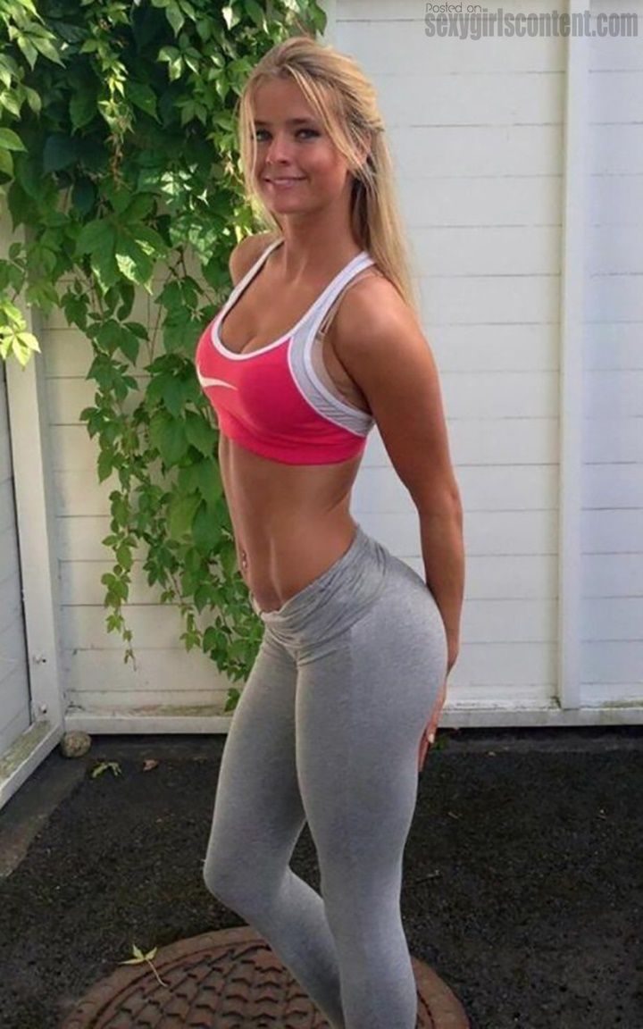 26 lovely hot blonde girl yoga pants cleavage boobs hgyp26 | trainen