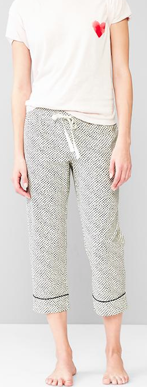 Like the idea of a simple pj set.  Pants and T with a small detail that matches the pants.  cute pj set http://rstyle.me/n/uwyg5r9te