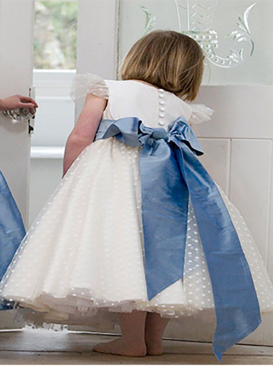 30e582a2067a Flower girl in white dress with blue bow | Vanes wedding in 2019 ...