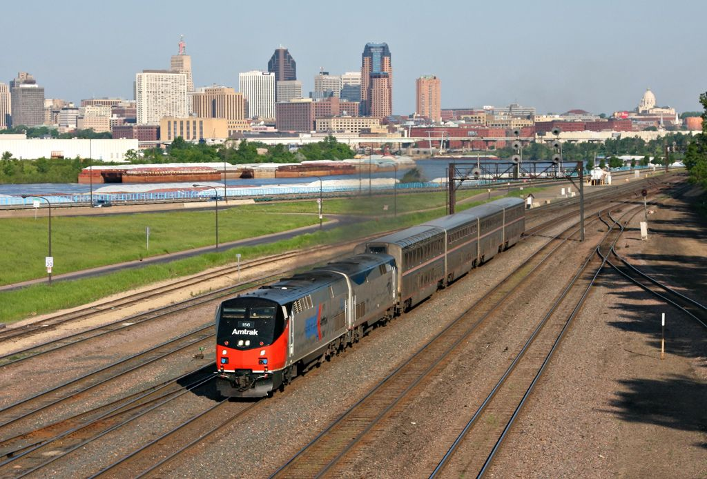 St. Paul Empire Builder - Amtrak stubbed the Builder at St. Paul because of flooding on the high plains.