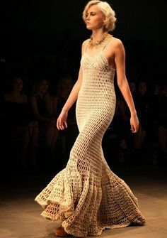 Ivelise Feito à Mão: Inspirações Vestidos Longos                                                                                                                                                      Mais
