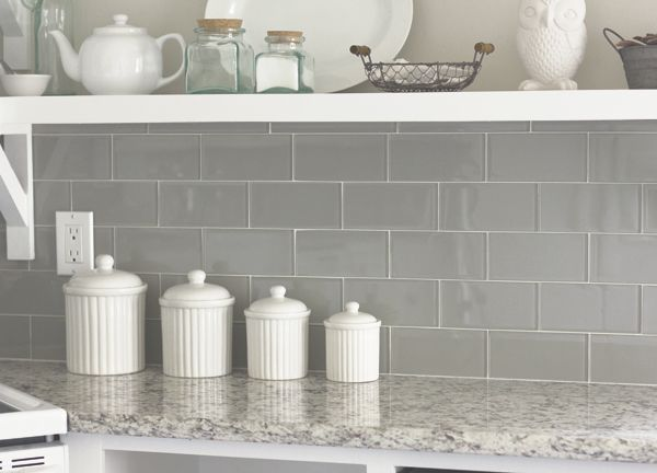 Glass and Granite done right! Emser Tile - Lucente Morning Fog - fliesenspiegel glas küche