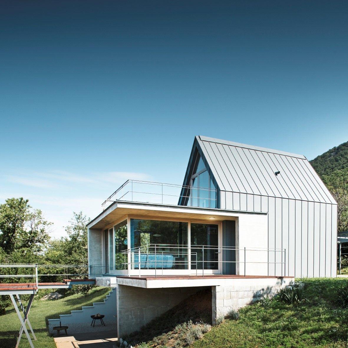 Dieses Moderne Einfamilienhaus In Hanglage Besticht Mit Dem