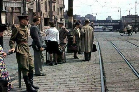 16. April 1946, Riebeckplatz mit Blick in die Delitzscher