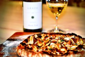 Funghi Pizza + Ribolla Gialla