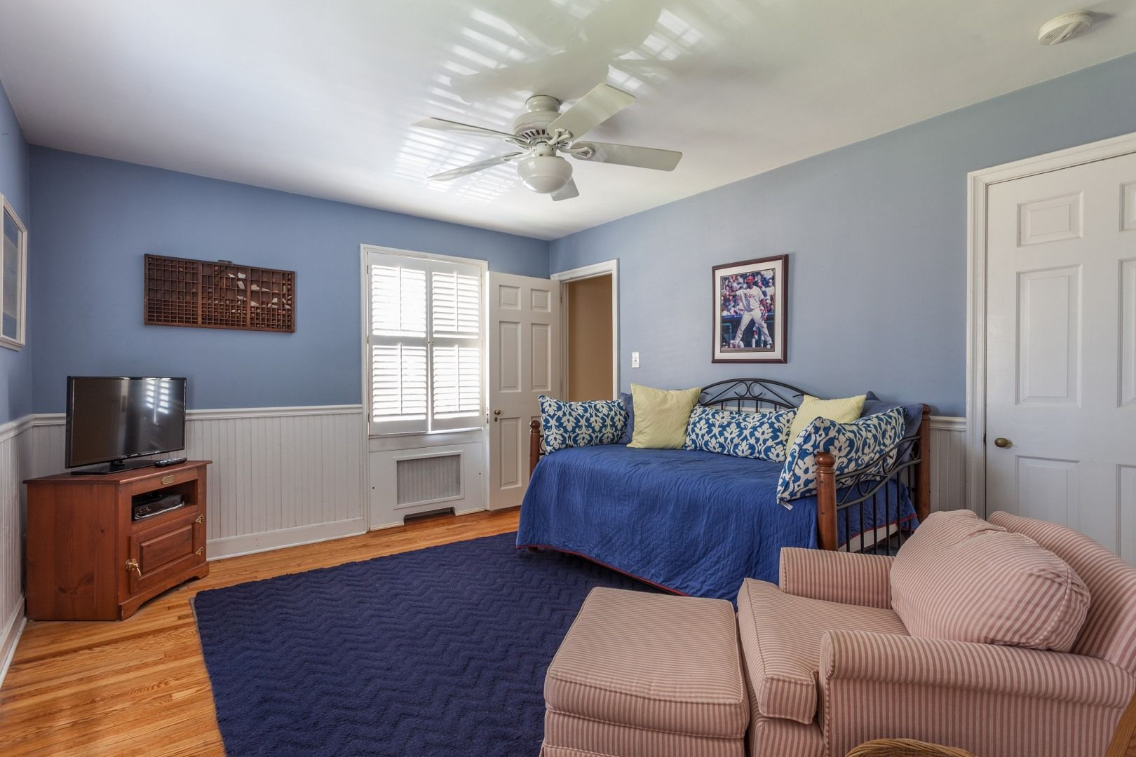 Bedroom interior setting deamhouse luxury milliondollarhome sothebyspennsylvania