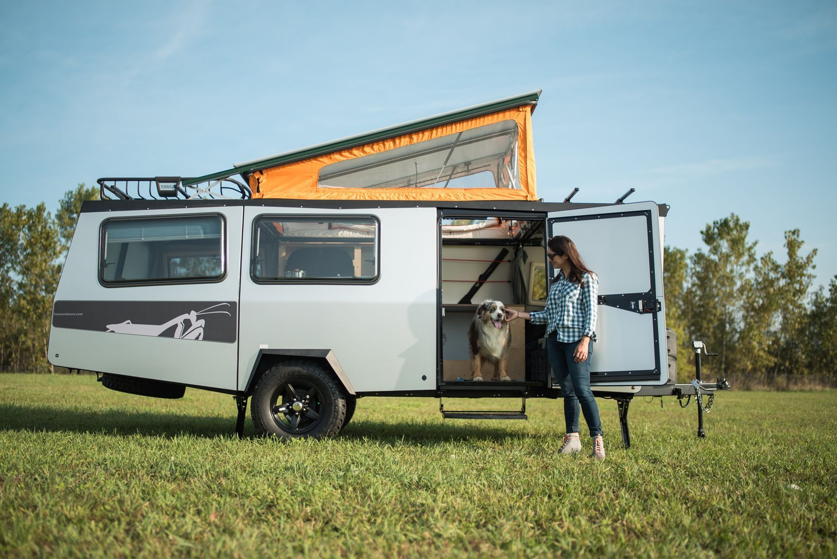 Compact Trailer Can Sleep 4 And Fit In Your Garage Small Travel