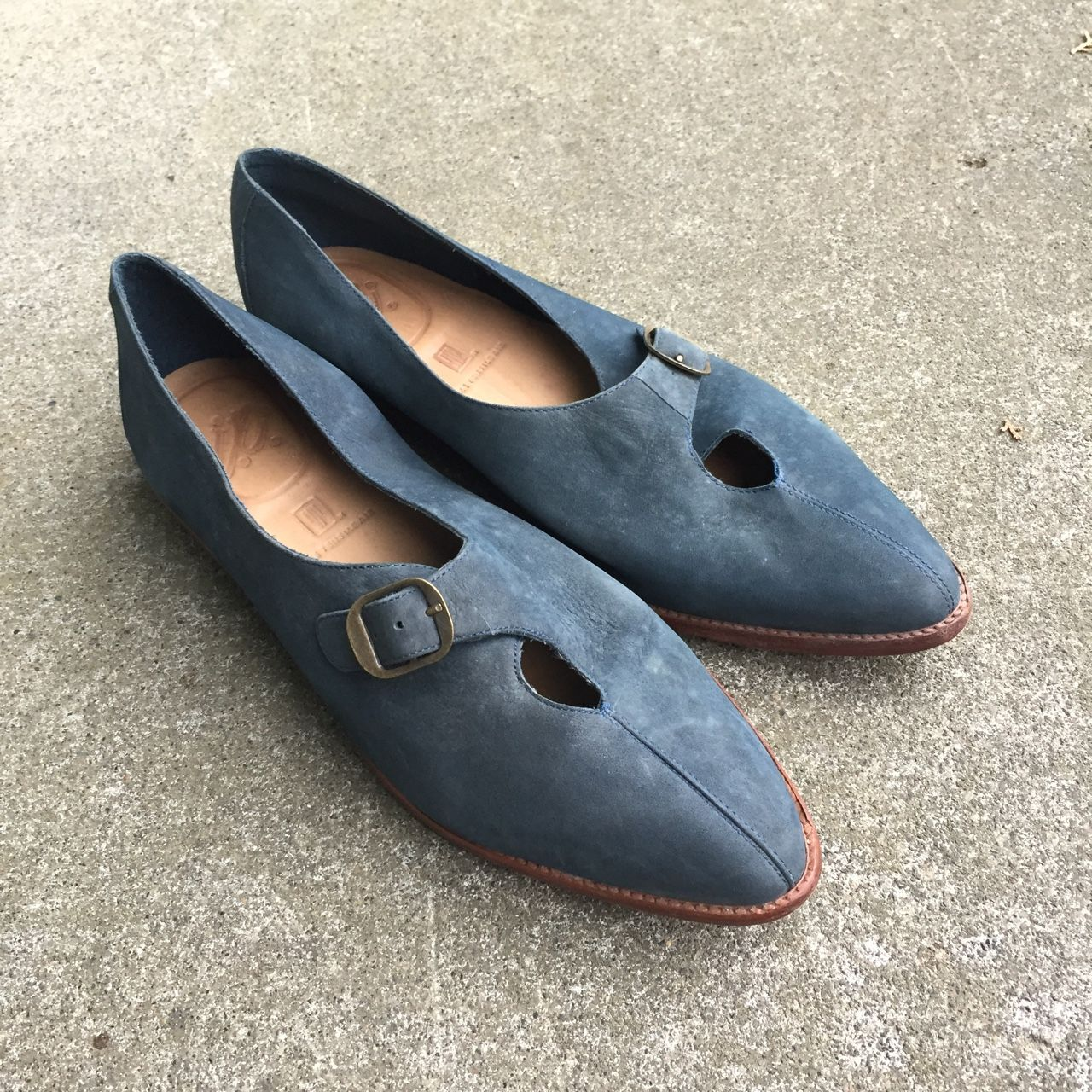 NIKE blue suede flats with little peek a boo buckle! Dated 91 and made in Brazil.
