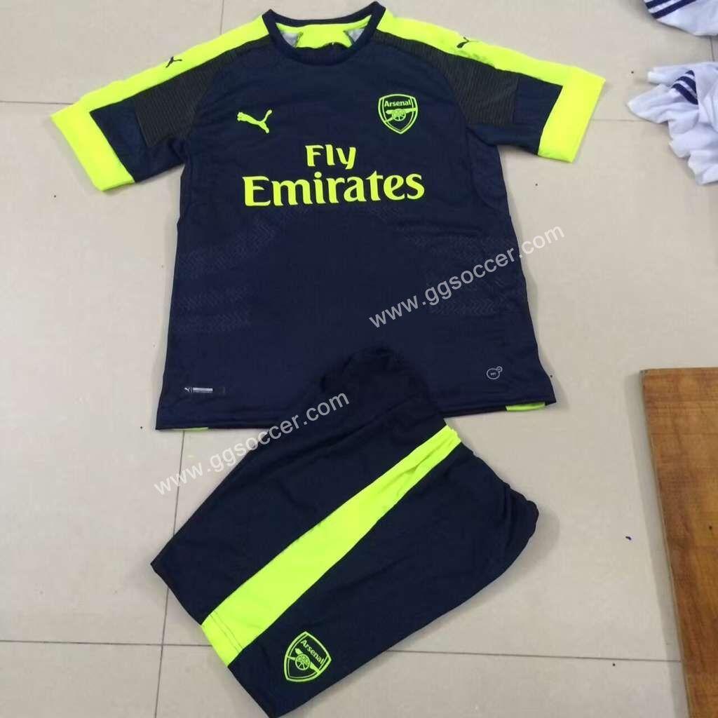 Jersey Bayi Balita Model Arsenal Away Terbaru - Info Daftar Harga ... a25f2914b0