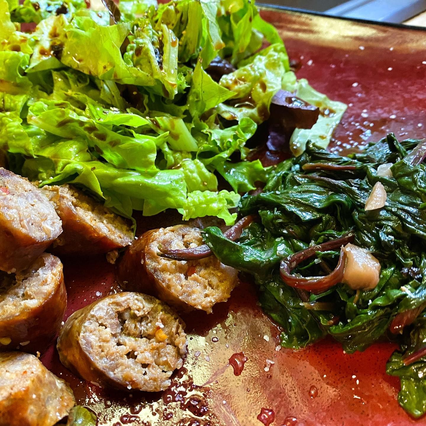 Thats a 100% Lopez Island grown meal. Lettuce. Spinach. Lamb sausage. Done. . . . . . . #skarpari #lopezisland #skarparibladeworks #skarpariknives #pnw #pnwonderland #pacificnorthwest #washington #nature #washingtonstate #upperleftusa #westcoast #food #foodie #delicious #foodlover #healthyfood #dinner #islandgrown #cheflife #healthyingredients
