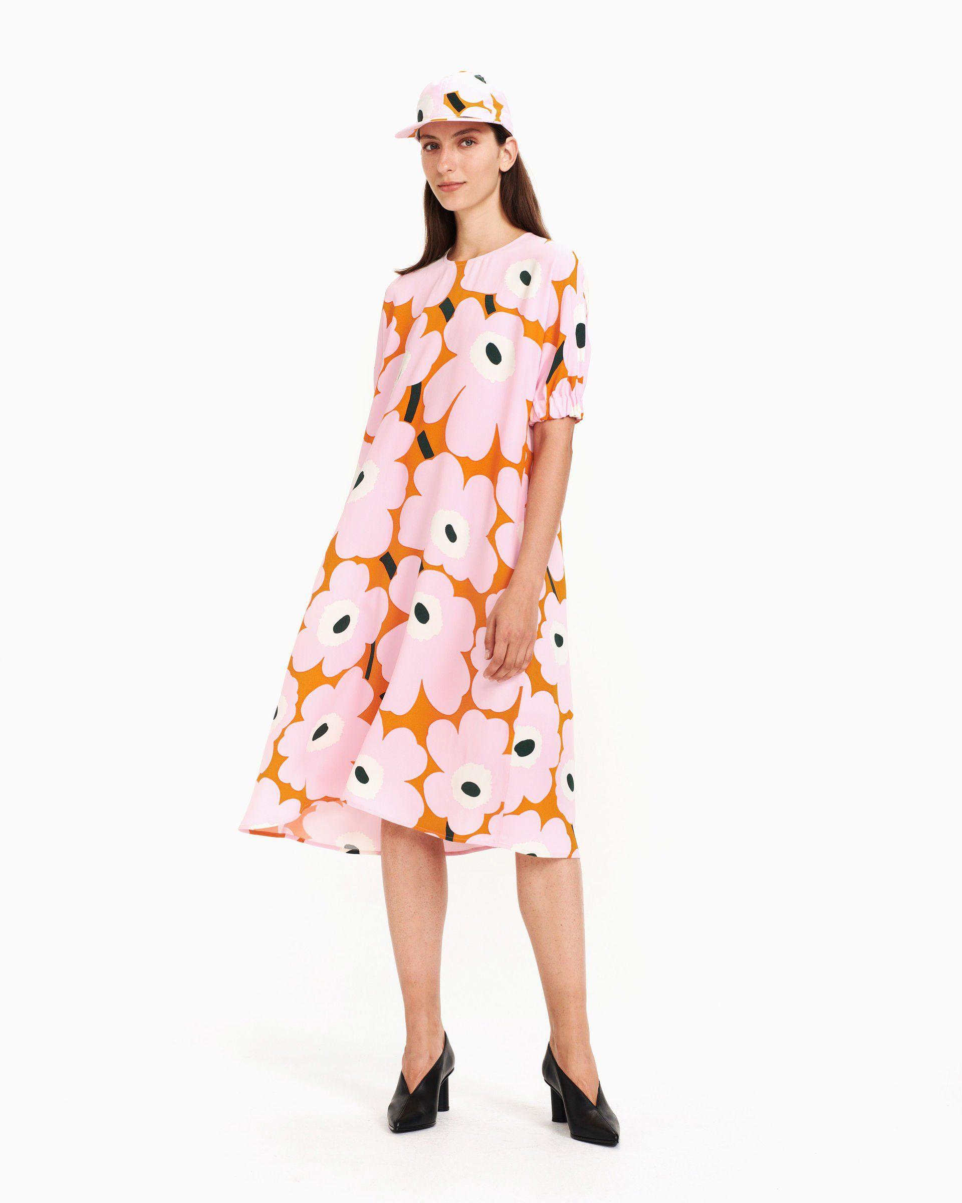 tilata alkuun tuotemerkkejä jaloissa Utelias Unikko -mekko pinkki, oranssi, vihreä | Marimekko ...