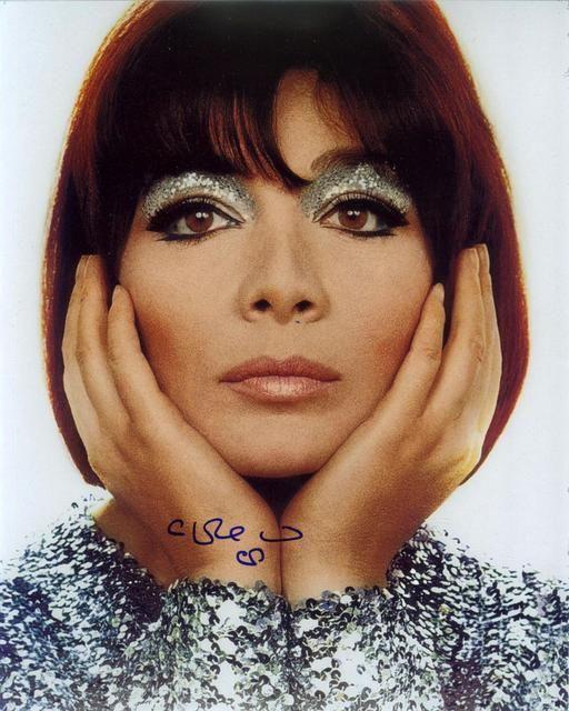 Stile Peplo Greco: Juliette Greco 60s Makeup